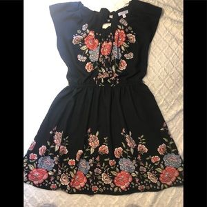 ❤️ Lauren Conrad Black Dress with Flowers